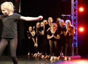 TanzZwiEt Jugend Basic - Modern & Jazz Dance